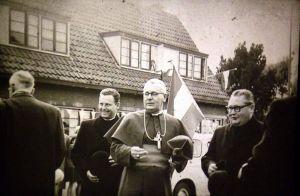 Kapelaan J.Frijns 2e van links
